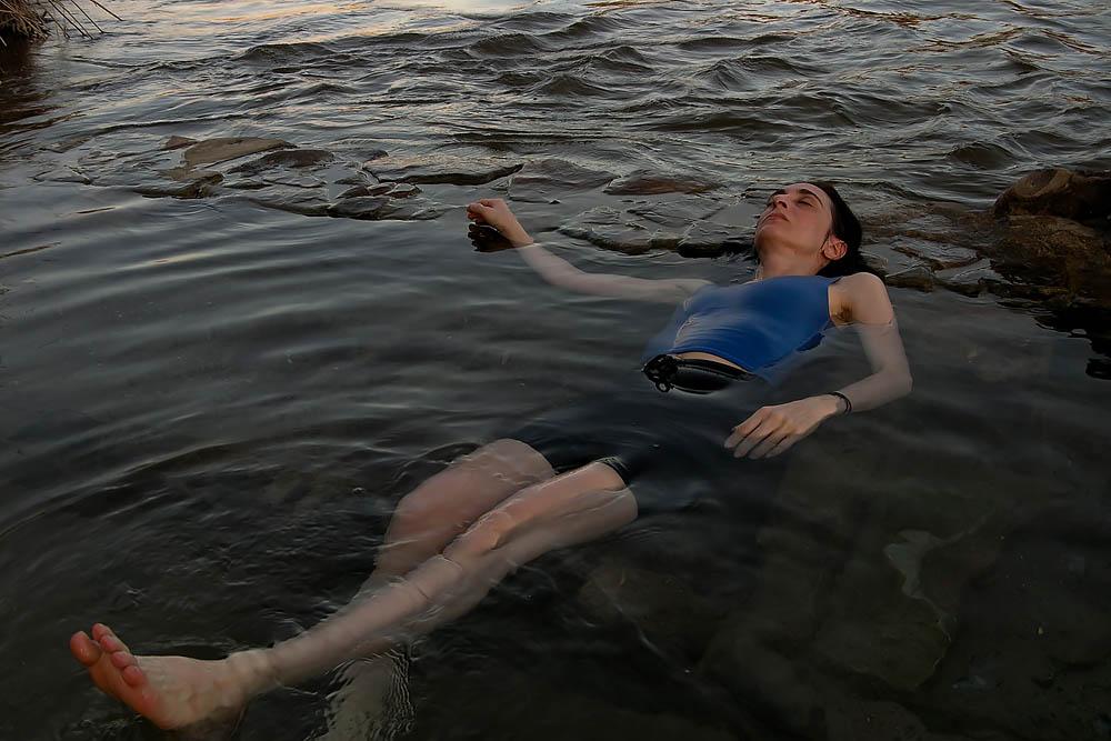Drifting Towards Summertime: Dru in the Rio Grande [Image]